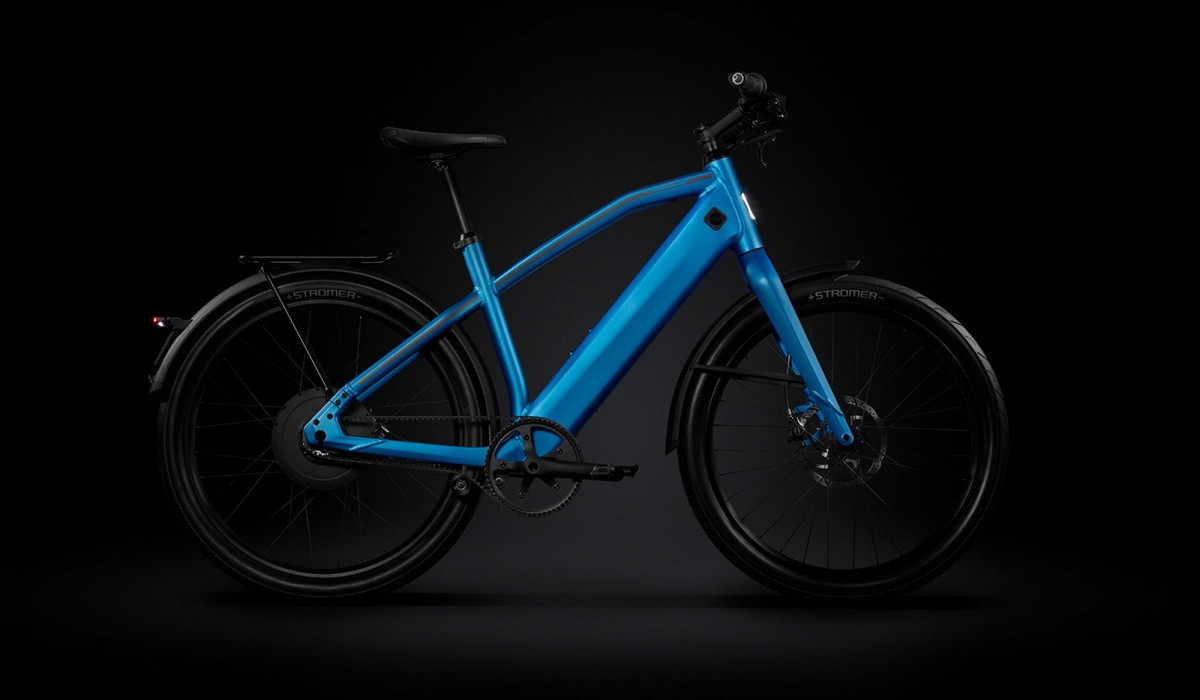 The Stromer ST2 with integrated components in Royal Blue.