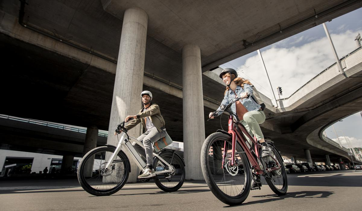 Man and Woman up Stromer ST1