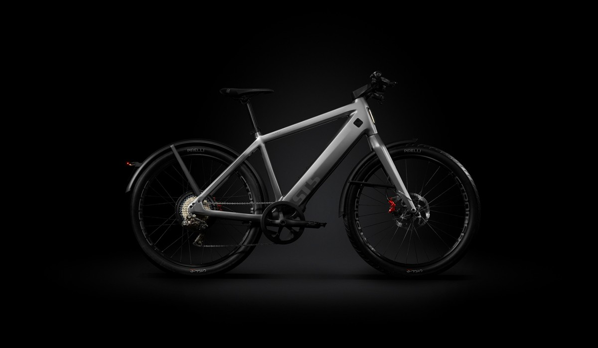 Fast e-bike up to 45 km/h: The Stromer ST5 ABS with fully integrated components in Granite Grey.